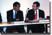 Léon Bertrand, ministre délégué au tourisme et Philippe Bas, ministre délégué à la Famille