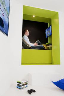 """Paris : Novotel ouvre une """"chambre futuriste"""""""