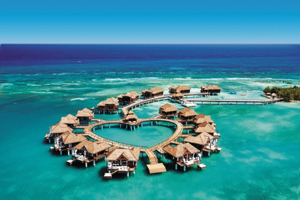 Sandals Resorts International propose des hébergements dans des villas et bungalows sur pilotis en Jamaïque. - DR Sandals