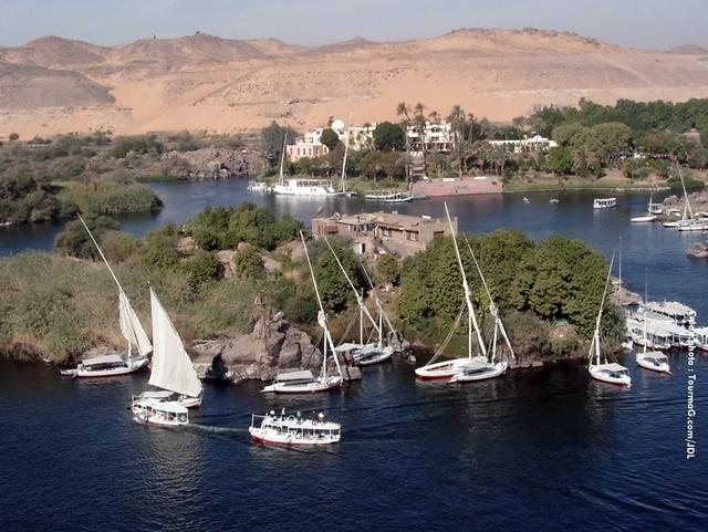 Chez Fram, les croisières sur le Nil continuent normalement. Le producteur a pris la décision de supprimer les extensions à partir de Louxor vers le Caire et les pyramides même si le site de ces dernières reste ouvert.