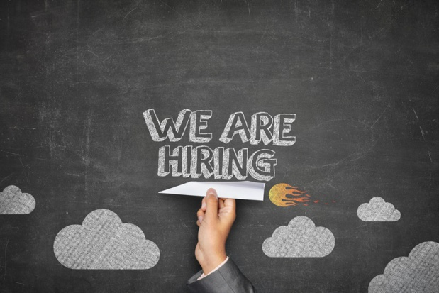 Les offres d'emploi pour des commerciaux groupes expérimentés se multiplient ces dernières années. Avis aux intéressés ! - Depositphotos