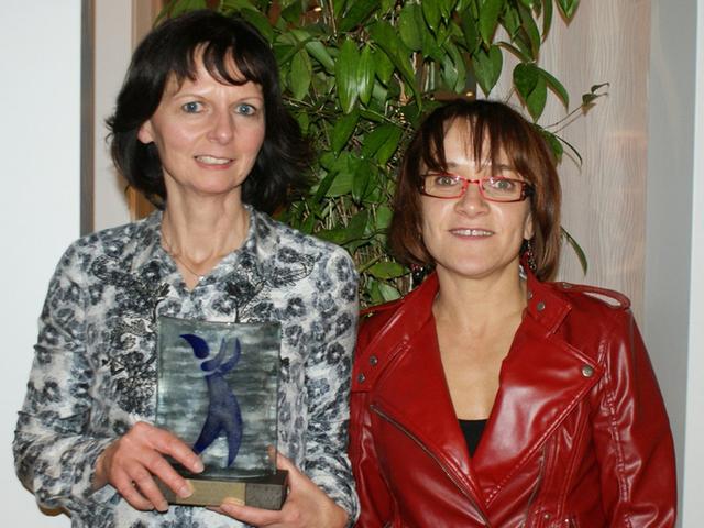 Christine Billaud, directrice de la SNAT et Denise Gleize, directrice adjointe, avec leur trophée - DR