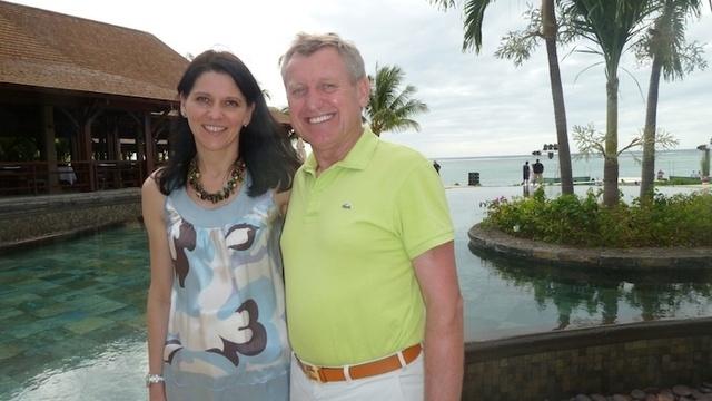 Paul Jones, patron de LUX* Islands Resorts et Veronique Berthier, directeur des Ventes et du Marketing France, Belgique, Espagne et Portugal Photo DR JdL