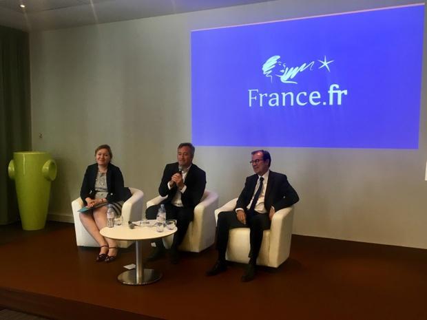 Caroline Leboucher, directrice générale d'Atout France, Jean-Baptiste Lemoyne, secrétaire d'État auprès du ministre de l'Europe et des Affaires étrangères et Christian Mantei, président d'Atout France - DR : CL