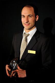 """Hyatt Hotels : Michael Bösch gagne le """"Prix du meilleur étudiant hôtelier de l'année"""""""