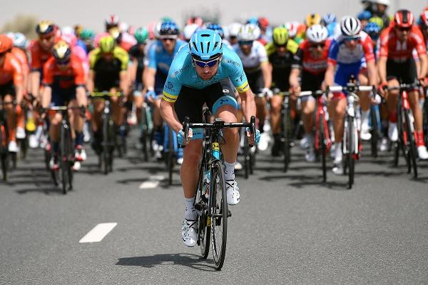 Air Astana vous offre l'opportunité de vivre l'étape finale des Champs-Elysées et de vivre le cyclisme au plus près avec Astana Proteam
