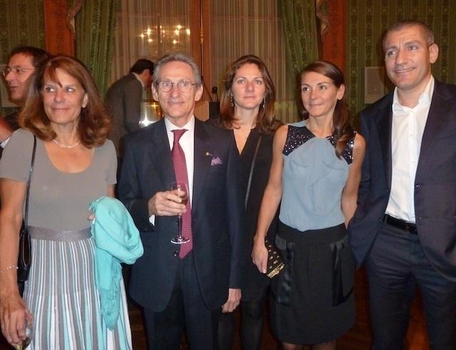 Hervé Vighier en famille avec sa femme à gauche, ses filles et Florian - Photo DR MS