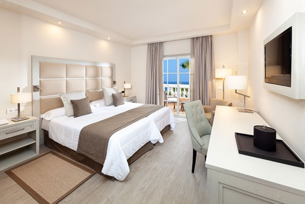 Une des chambres de l'hôtel Riu Garoe de Tenerife - DR