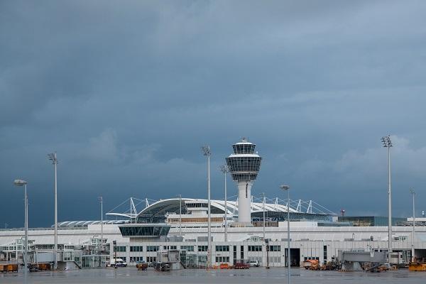 """IATA dénonce """"la situation inacceptable"""" des contrôleurs aériens en Europe - Crédit photo : Pixabay @stux"""