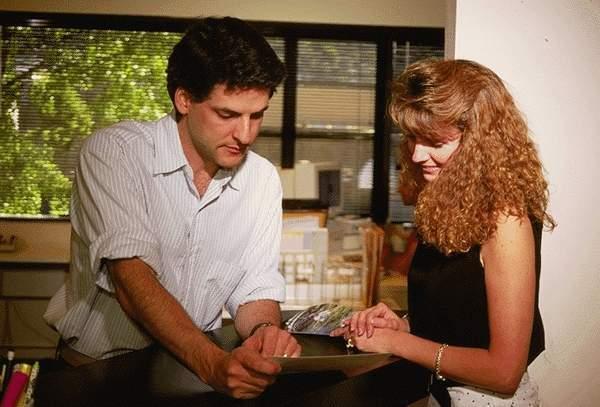 Il est indispensable pour le conseiller en séjours touristiques d'aimer le relationnel et de parler au moins deux langues - DR : Photo-libre.fr