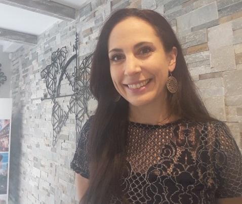 Après sept ans dans une agence de voyages traditionnelle, Céline Mouren est devenue conseillère voyages à domicile. Un choix qu'elle ne regrette pas - DR : Côté Voyages by Célia
