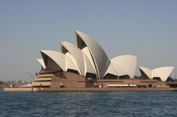 Le toit de l'Opéra, si resplendissant sous le soleil austral, est composé de plus d'un million de carreaux de céramique auto nettoyants - DR : JDL