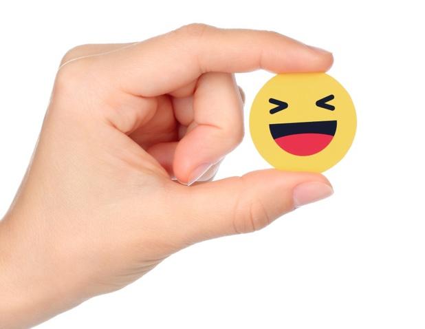 Les emoji permettent d'ajouter une touche dynamique ou humoristique aux messages, rendant la communication plus amicale - Depositphotos.com rozelt