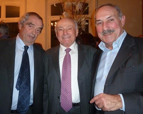 Georges Colson actuel président du syndicat des agents de voyages était entouré de deux anciens : Jean Perrin qui siège aujourd'hui à la Commission d'Immatriculation d'Atout France et César Balderacchi qui a occupé cette fonction pendant 12 ans. Manquait à l'appel Georges Toromanof.