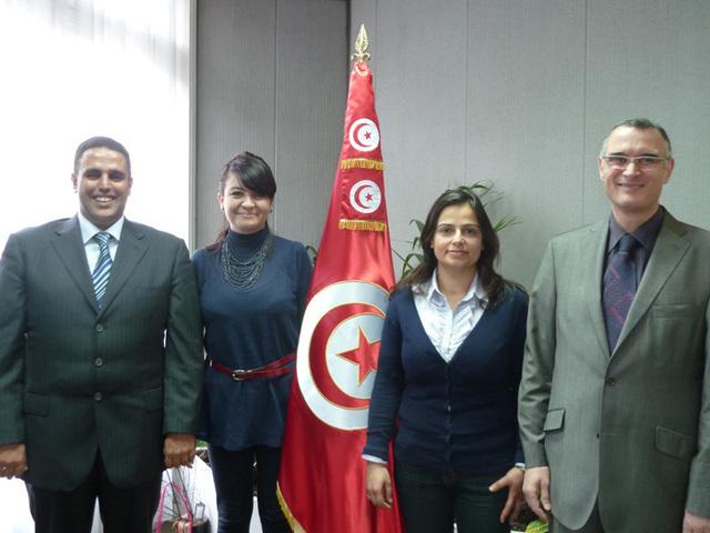 Représentation du tourisme tunisien en France avec, de g. à d. Maher Klilbi, le nouveau directeur régional du bureau de Lyon, Amel Hachani, directrice de l'ONTT pour la France, Amel Zarrouk, nouvelle directrice adjointe à Paris et Adel Ben Khelil, directeur de la publicité à Paris.