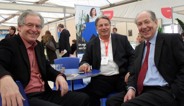 Jean-François Alexandre (droite), en compagnie de Mumtaz Teker, DG de Pacha Tours (centre) et de René-Marc Chikli (gauche), président du CETO, lors du Ditex 2010 - DR