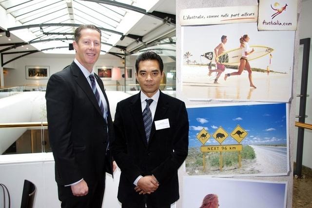 Andrew McEvoy, directeur général de Tourism Australia et Sarjan Darus, DG France de Malaysia Airlines - Photo DR