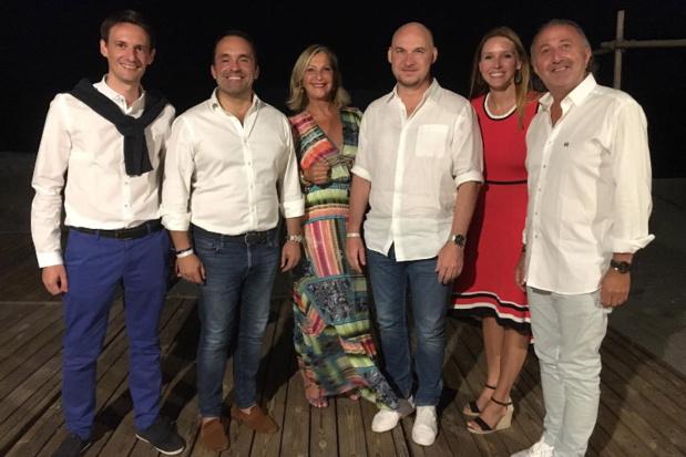 Nicolas Delord entouré des équipes de Thomas Cook France en Crète - Photo CL