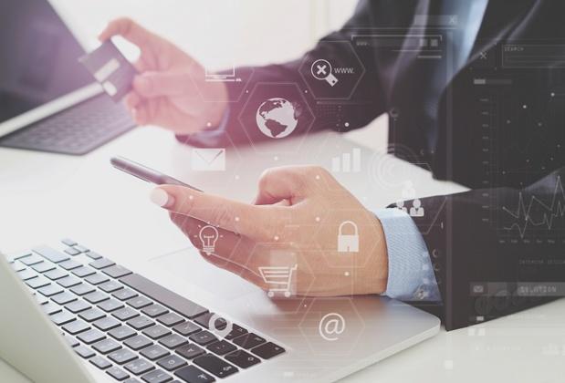 Le DSP2 veut améliorer la confiance des internautes lors de leurs achats en ligne - Depositphotos @everythingposs
