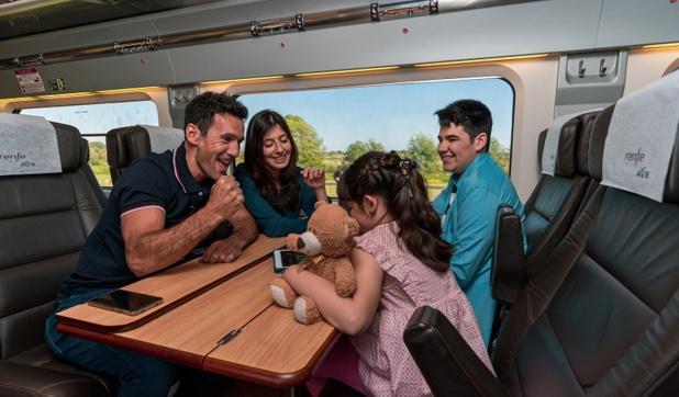 Les trains Renfe-SNCF proposent dorénavant le Wi-Fi gratuit, donnant aussi accès à des contenus - Crédit photo : Renfe-SNCF