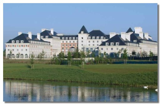 Disneyland : Mövenpick Dream Castle Hotel change de management