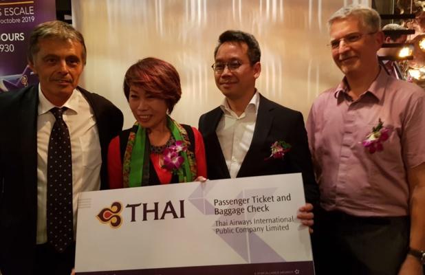 Noi Lunammachak a remporté un billet d'avion avec la Thai lors d'un tirage au sort - Photo CE