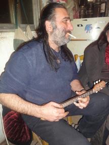 Manolis, un géant au coeur de poète - DR : A.P.