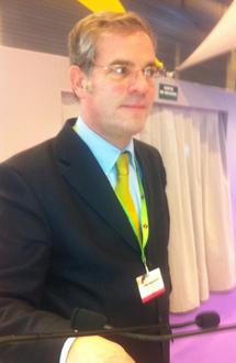 Mark Waltkins, le PDG de Coach Omnium, a présenté hier, à la Porte de Versailles, le baromètre Bedouk - Coach Omnium 2012 - DR : B.F.