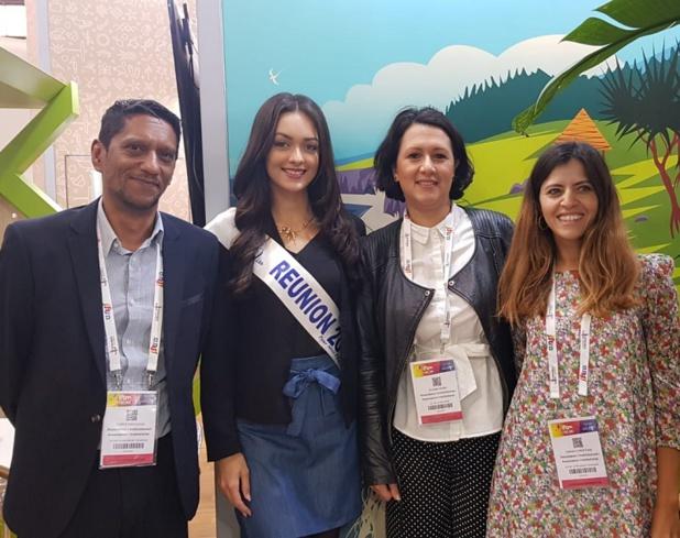 Morgan Lebon, Miss Réunion avec les équipes de l'IRT dont la nouvelle directrice générale de l'Ile de la Réunion Tourisme  Susan Soba à Droit de la Miss - DR Photo CE