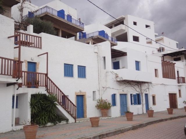 Arrivée à Makrigialos, ma maison sur le port - Photo A.P