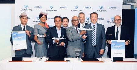 De gauche à droite : M. Didier Robert, Président de la SEMATRA ; Mr Joel BOFF, Senior Sales Director, M. Marie-Joseph Malé, PDG Air  Austral ;  M. Kimon Sotiropoulos, Airbus Senior Vice President, Central & Northern Europe et M. Christopher Buckley, Airbus Executive Vice President Commercial - DR