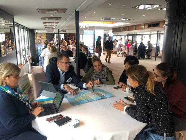 Journée studieuse pour les agents de voyages, qui ont pu profiter d'une croisière sur la Seine - DR : Austral Lagons
