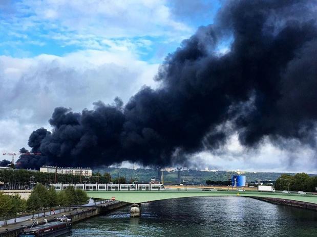 L'incendie de Lubrizol, classée « Seveso », s'est déclaré dans la nuit du 25 au 26 septembre 2019 - DR : marinecaron76 Instagram