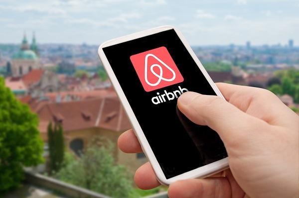 15 villes européennes et le Senat s'attaquent au business d'Airbnb - Crédit photo : @jamdesign