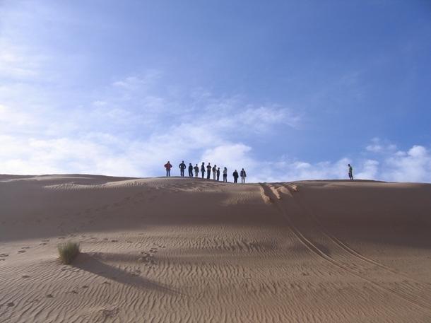 Le concept de Voyageur Tout Terrain, ce n'est pas de faire un Paris Dakar, mais bien un voyage découverte pour accéder à des pistes difficiles dans le désert, sur la glace ou ailleurs... - DR : Voyageur Tout Terrain