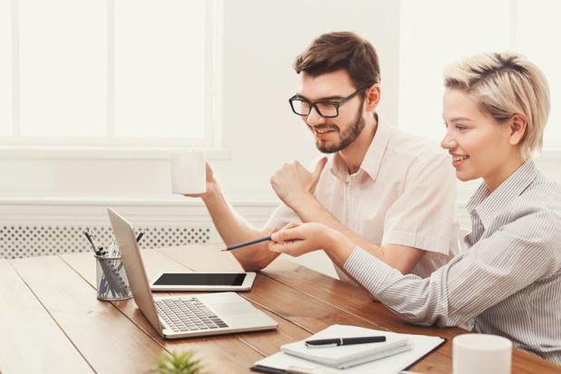 Si les work couples naissent de façon spontanée, ils peuvent rapidement devenir de vrais alliés pour l'entreprise - DR : Despositphotos