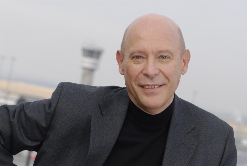 """Philippe Bernand, avec ses équipes, entend """"accélérer le développement à l'international des aéroports de Lyon et poursuivre sa politique d'amélioration de la qualité de services, de renforcement des performances opérationnelle et financière"""" - DR : Christelle Viviant"""