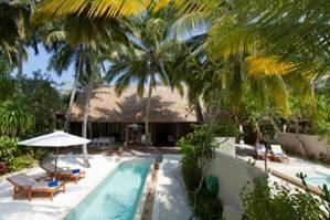 Les Beach Suites sont équipées d'une piscine privative dans un jardin tropical - Photo DR