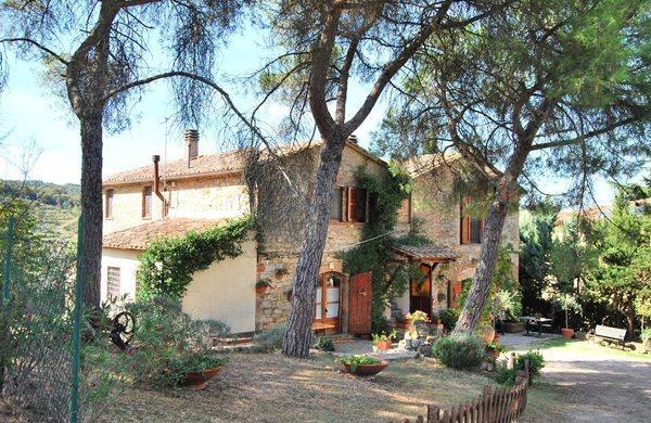 Pour partir en tribu, Novasol et Cuendet proposent aussi des vastes villas, comme celle de Magione à Lago Trasimeno en Italie-DR