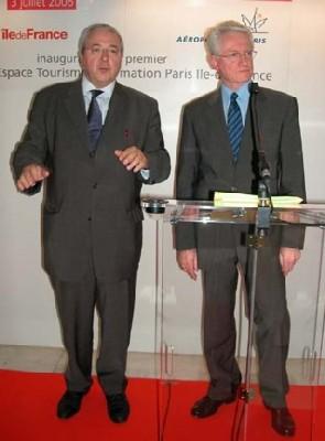 De gauche à droite : Jean-Paul Huchon, président du Conseil régional d'Ile de France, et Pierre Graff, Pdg d'ADP