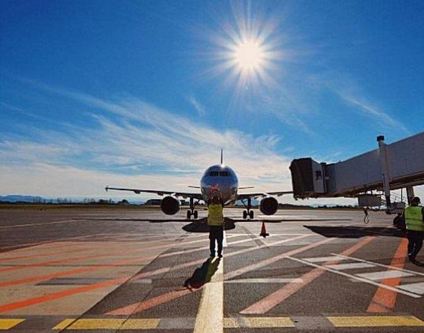 Inutile de vous déplacer aujourd'hui à l'aéroport, aucun service de transport aérien n'est opéré - DR : Facebook Aéroport de Biarritz