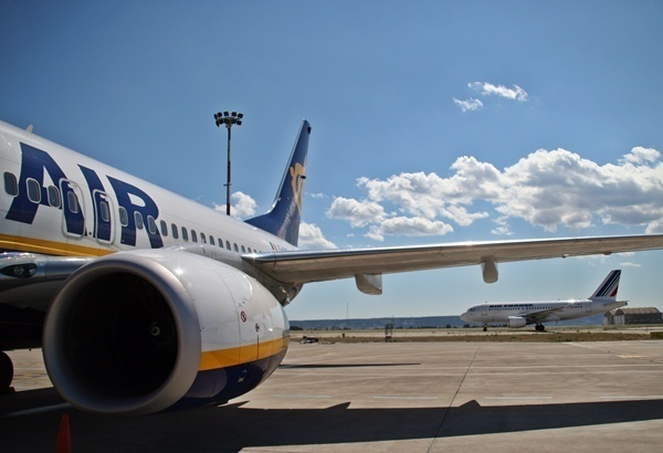 Ce que Ryanair reproche aux agences en ligne c'est de capturer ses tarifs pour les intégrer dans leurs offres aériennes… en y ajoutant des frais d'intervention. /photo JDL