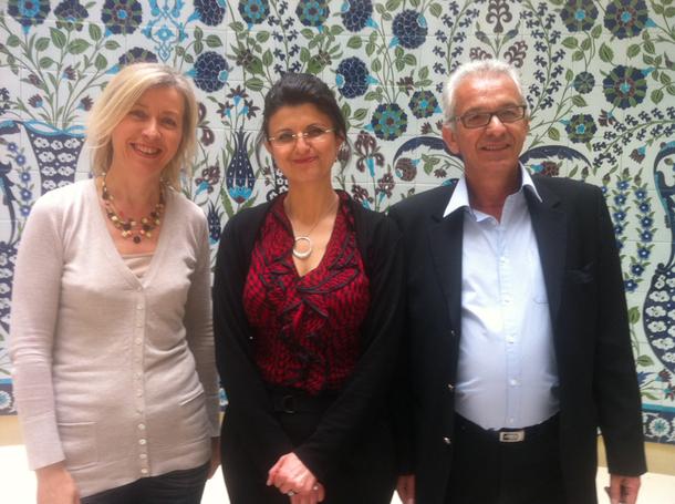 Kalbiye Noyan, directrice de l'Office du Tourisme de Turquie, entourée de Didier Huet (Pacha Tours) et de Françoise Brunod (Mavie), deux atouts sur le marché français pour la destination - DR