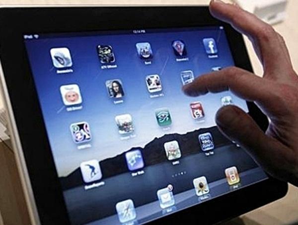 En France, 20% du trafic sur le Web viennent des smartphones, et l'iPad représenterait déjà à lui seul 2% du trafic mondial./photo dr