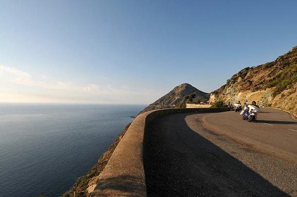 Amis motards, de Bastia à Calvi, les routes n'auront plus de secrets pour vous ! - DR