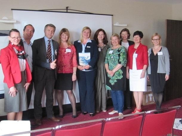 Annaleena Soult de Visit Finland, entourée de tous ses partenaires présents pour le workshop de Marseille, jeudi 19 avril 2012 - Photo P.C.