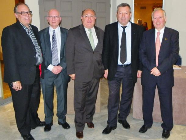 Roland Héguy, président de l'UMIH (2e en partant de la droite) entouré des responsables de l'hôtellerie azuréenne - DR : M.B.