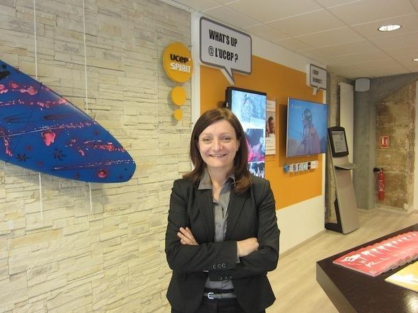 Thina Cadierno, la directrice client de l'UCPA, dans le nouveau concept store digital du TO. - DR : L-A.C