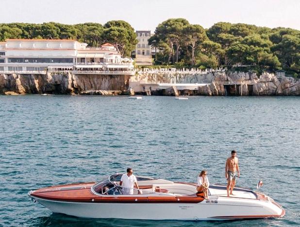 La riviera comme la rêve les touristes anglais qui remplissent l'Eden Roc - crédit photo : Hôtel du Cap Eden Roc