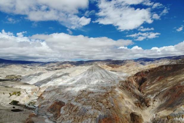Le plateau tibétain en toile de fond - DR : Shanti Travel